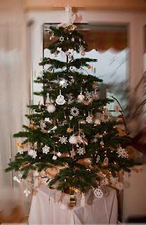 ein weihnachtsgru mit unserem christbaum. Black Bedroom Furniture Sets. Home Design Ideas