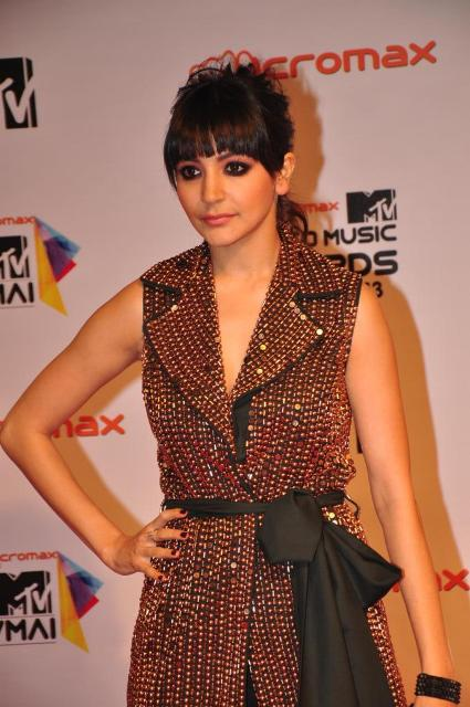 Anushka Sharma at Micromax MTV Video Music Awards India 2013 Micromax-MTV-Video-Music-Awards-India-2013-91+(1)