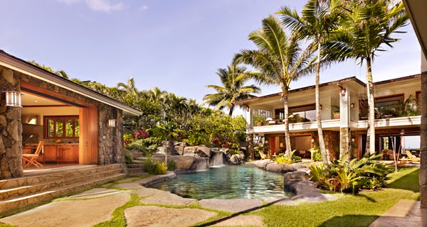 What On Earth Obamas Are Moving To Hawaii In January 2013