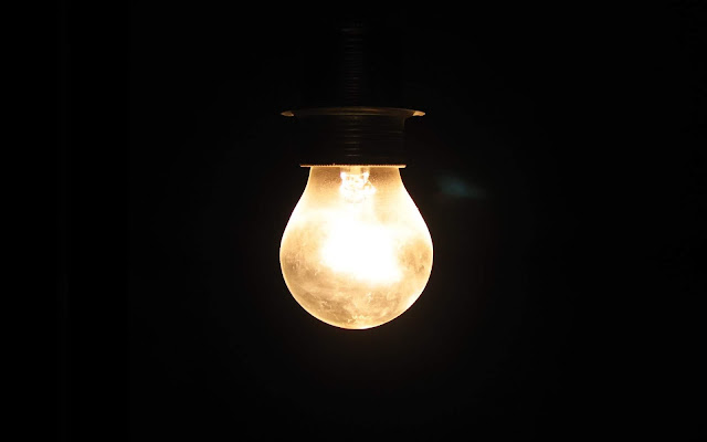 Electric Bulb Lamp on Black Background - Black and White Wallpaper hd