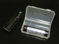 バッテリは保管用のケース付きでした