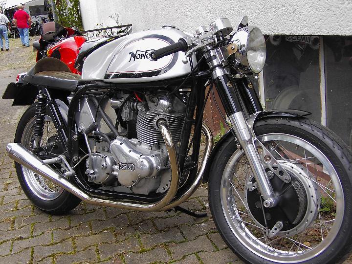 Go Faster: Bsa, Triumph, Norton