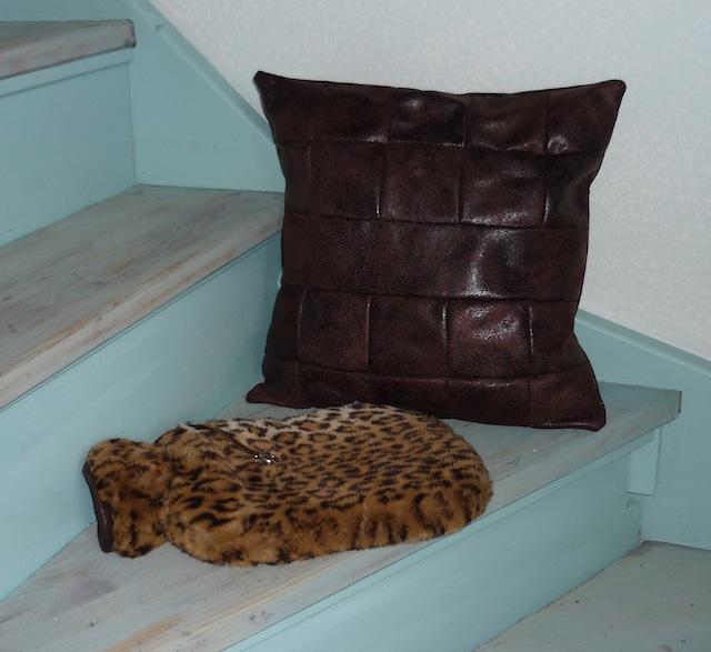 Belette tr s faux tr s chic tr s chaud - Tissu imitation cuir vieilli ...