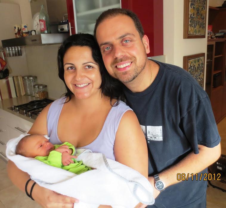L'Albert i la Lisbeth (Catequista de la parròquia) ens presenten el seu nou fill: l'Albert