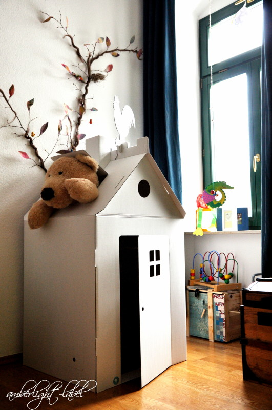 kindergeburtstag papphaus bemalen amberlight label. Black Bedroom Furniture Sets. Home Design Ideas