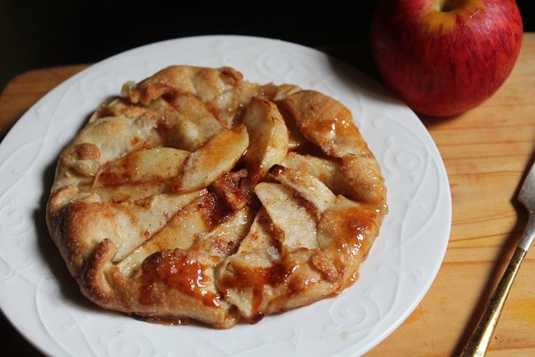... TUMMY: Apple Galette Recipe - Free Form Apple Cinnamon Pie Recipe