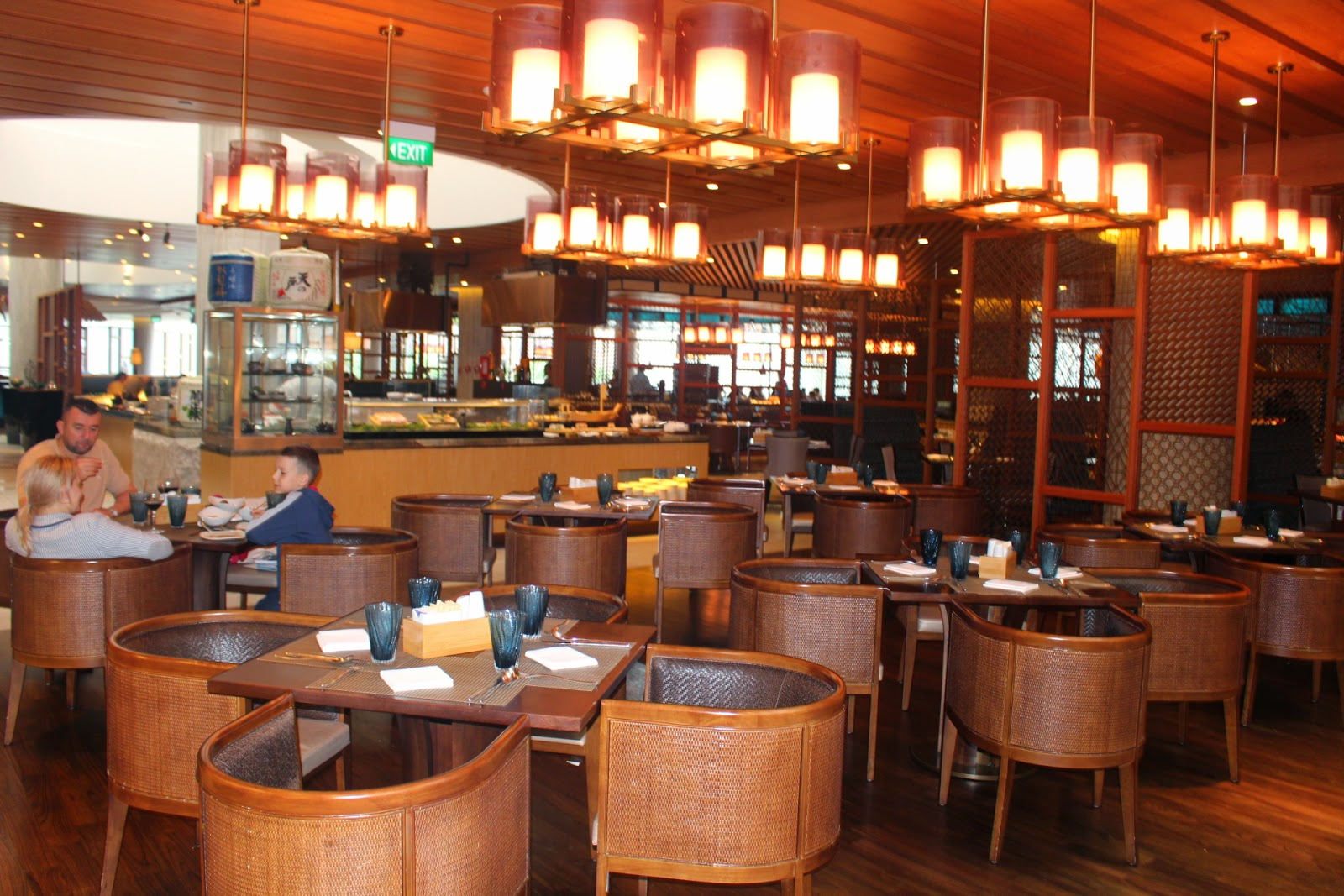 Jennifer yeo s lifestyle lavish lunch buffet at edge
