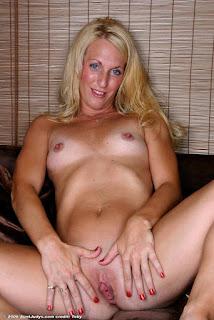 Wild lesbian - sexygirl-bee002AJS_251482040-756811.jpg