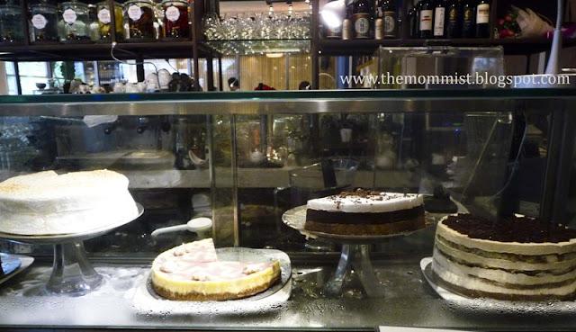 Cake glass display