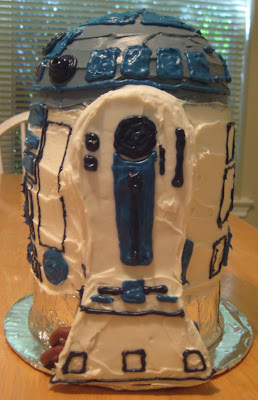 Star Wars 3D R2-D2 Cake - Side View