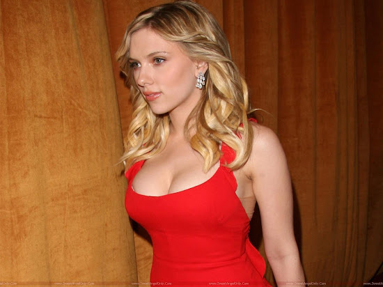 Scarlett Johansson Hollywood Actress Wallpaper