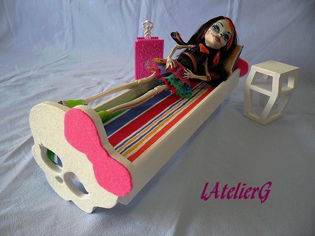 Latelierg 25 sp cial monster high le lit pour skelita calaveras - Comment faire un lit pour monster high ...