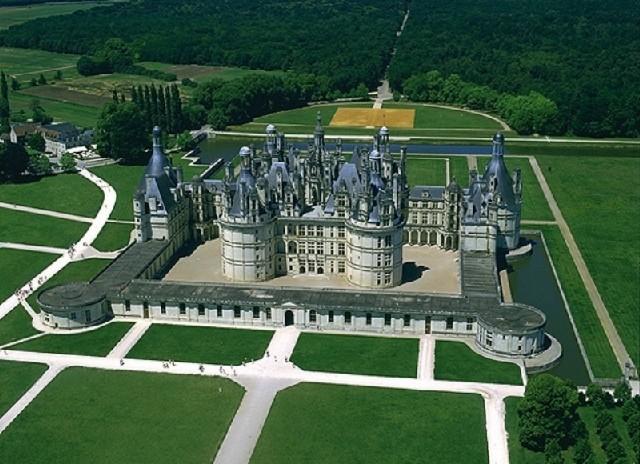 1. Chateau de Chambord