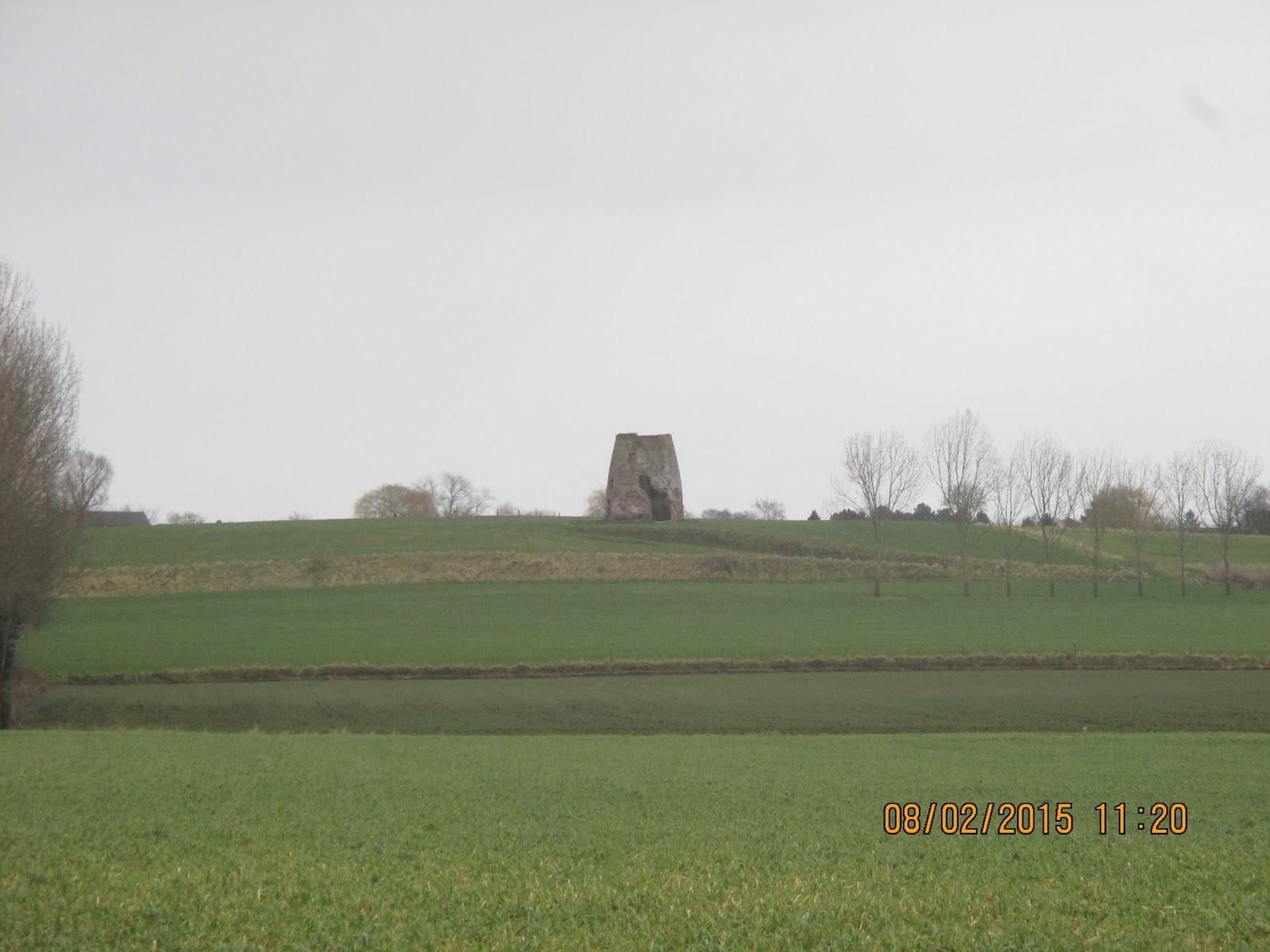 ruïne van de Moulin de Barbissart in Obigies