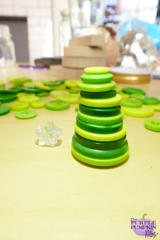 Button #Christmas Tree Ornaments #Craft | The Purple Pumpkin Blog | #shop #cbias