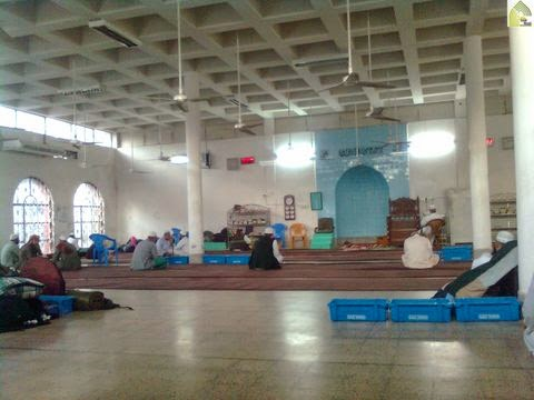 dalam masjid istiqbal
