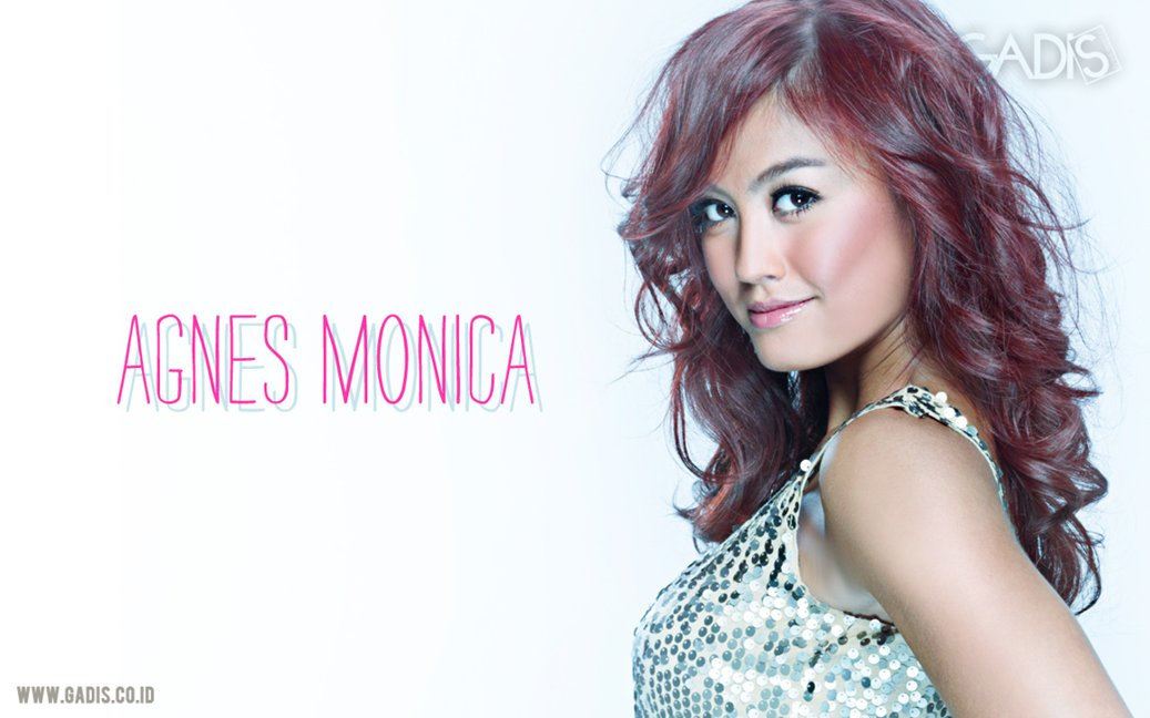 Download koleksi wallpaper keren Agnes Monica