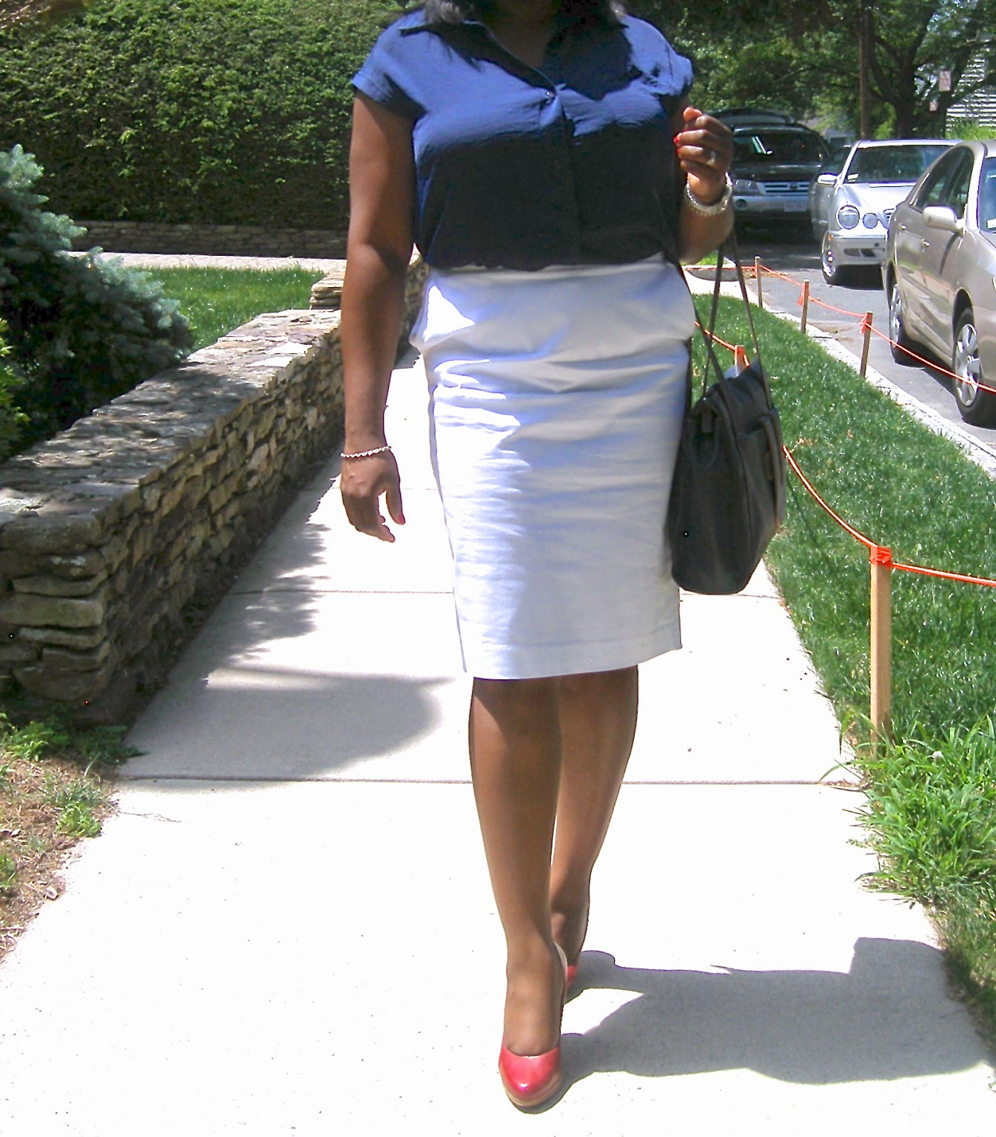 Nine West red pumps, comfortable pumps, Navy tote bag, Franklin Covey, Charter Club Skirt