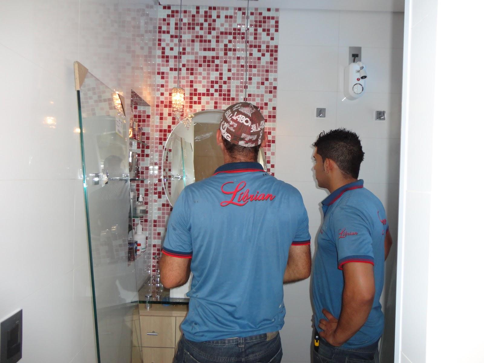 para o box escolhi o vidro transparente para dar mais #2A4A66 1600x1200 Balança De Banheiro No Ponto Frio