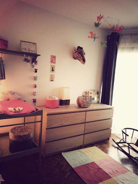 vert poussin chambre b b. Black Bedroom Furniture Sets. Home Design Ideas