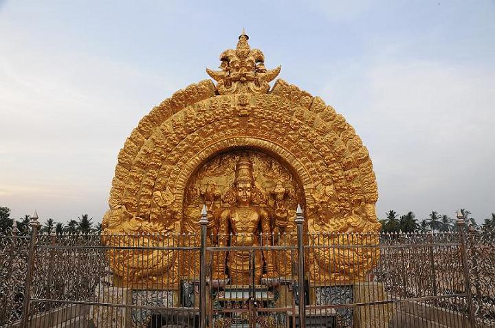 Sri Ranganathar Swamy Temple, Srirangam - Sri Ramanin Padhayil