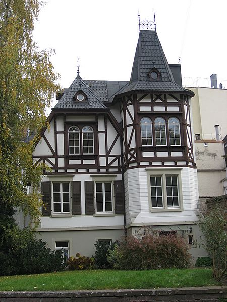 Traditional german house travel pinterest german for Styles of houses to build