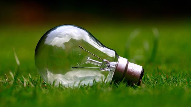 jaką żarówkę kupić, żarówka, led, świetlówka kompaktowa, nic na poważnie, nauka