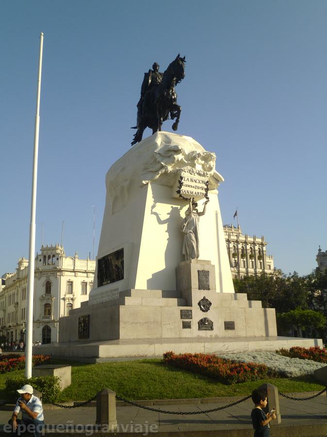 Plaza San Martín centro historico Lima