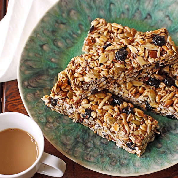... Newf in My Soup!: Easing Back with Blueberry-Pumpkin Seed Energy Bars