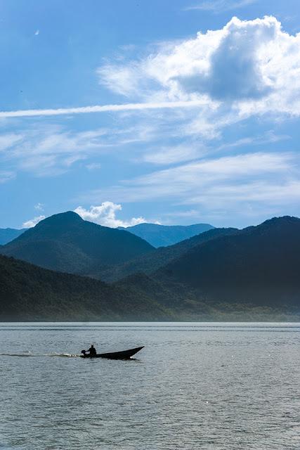 Jezioro Szkoderskie - Mała łódź rybacka