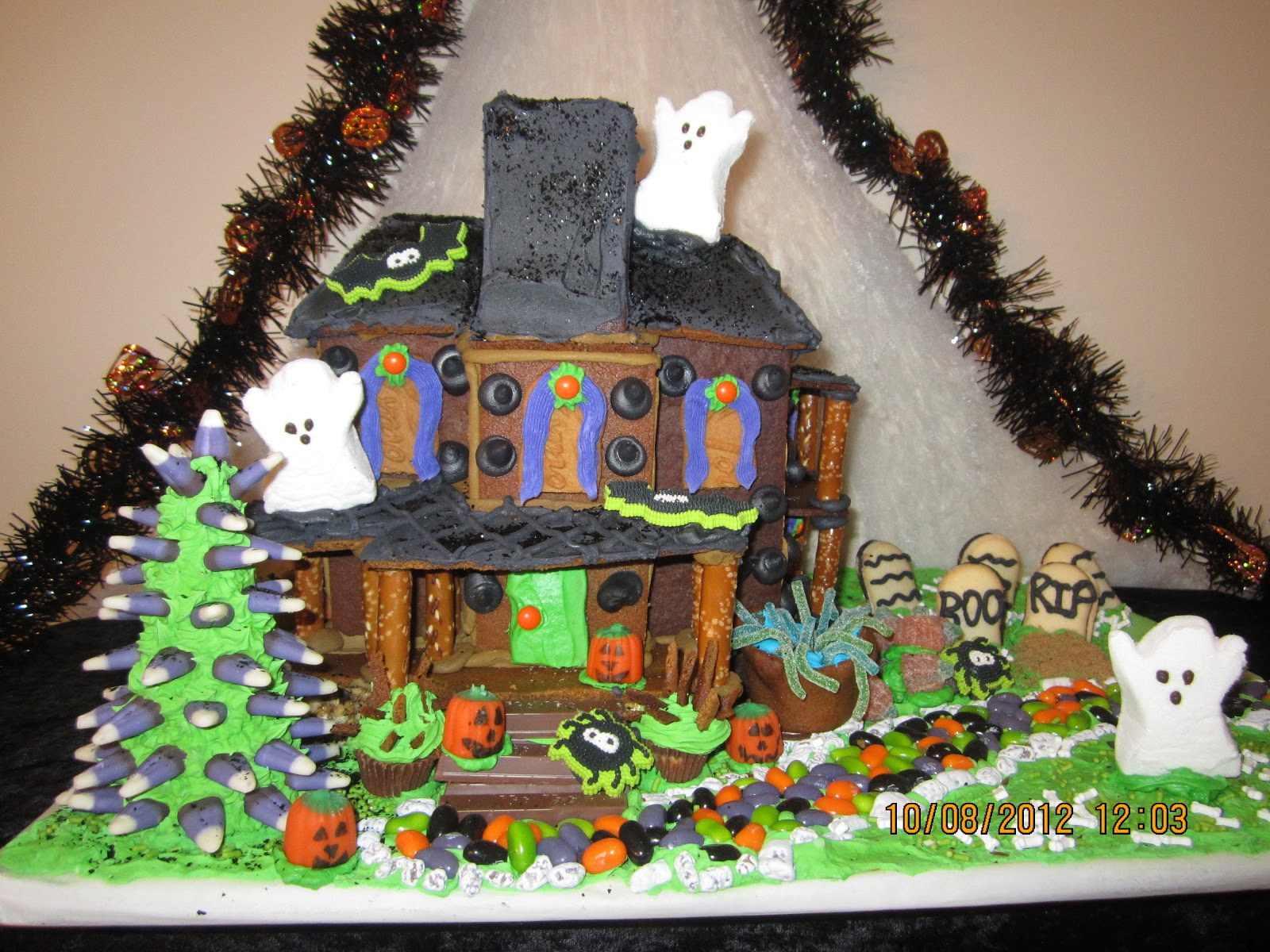 Gingerbread Haunted House Design Html on haunted house moon, simple spooky house, inflatable haunted house, the scariest most haunted house, haunted irish houses, haunted houses in alabama, haunted houses in texas, haunted turkey house, the scarehouse haunted house, haunted gingerbread tree, fun spot orlando haunted house, ghostly manor haunted house, haunted house blank template, haunted winter house, animated haunted house, haunted victorian houses, raymond hill mortuary haunted house, cartoon haunted house, haunted cookie house, haunted family house,