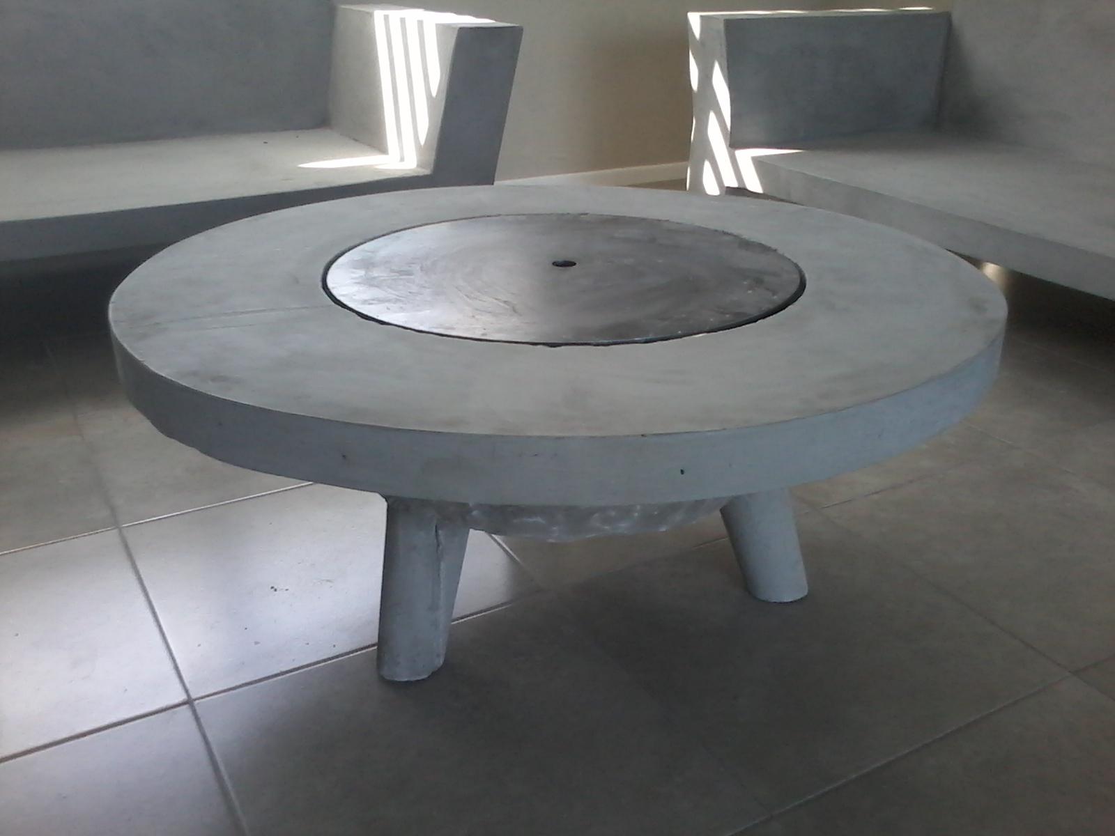 Muebles en cemento light estilo ribera mesa fogon redonda - Muebles con ladrillos ...