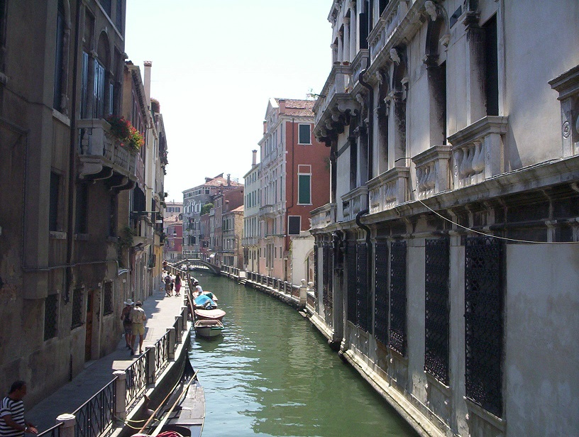 Canal-Venice-Italy-2006-Sealiberty