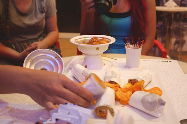 Dubai emirati food