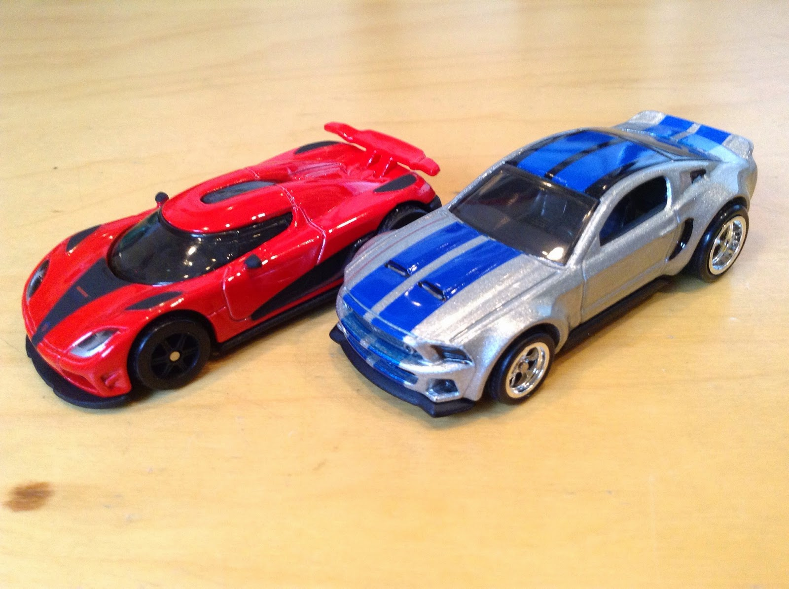 Julian's Hot Wheels Blog: Koenigsegg Agera R & 2014 Custom ...