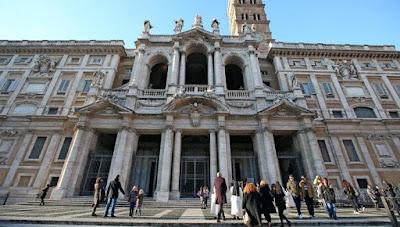 """buongiornolink - Aggrediscono militari gridando """"Allah è grande"""". Arrestate ed espulse due persone a Roma"""