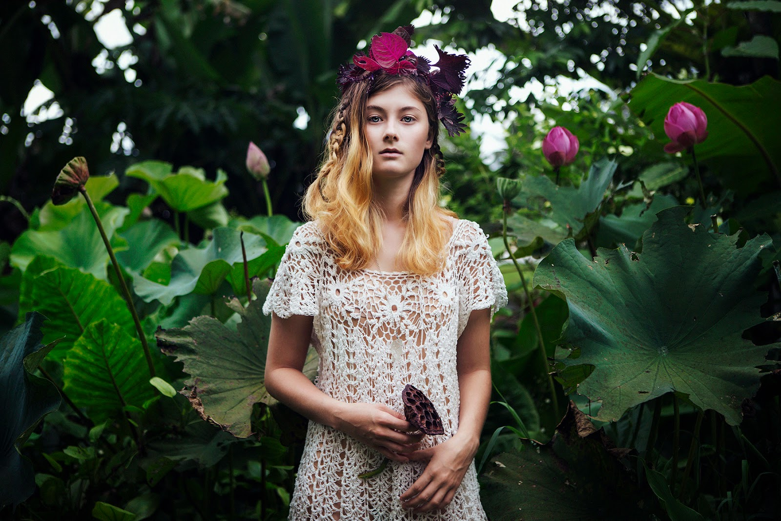 bella kotak photography landscape portrait women water flowers