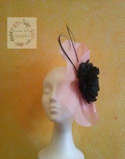 tocado rosa y negro para boda por encargo