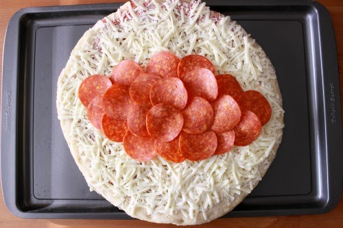 pepperoni digiorno %23shop Football Pizza with DiGiorno #GameTimeGoodies