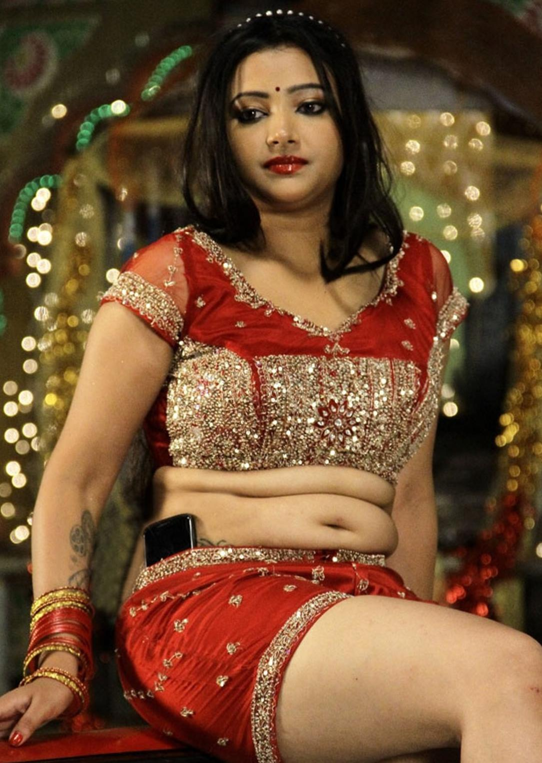 Swetha Basu Hot navel