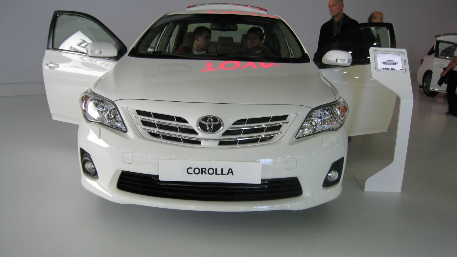 latest cars models toyota corolla 2013