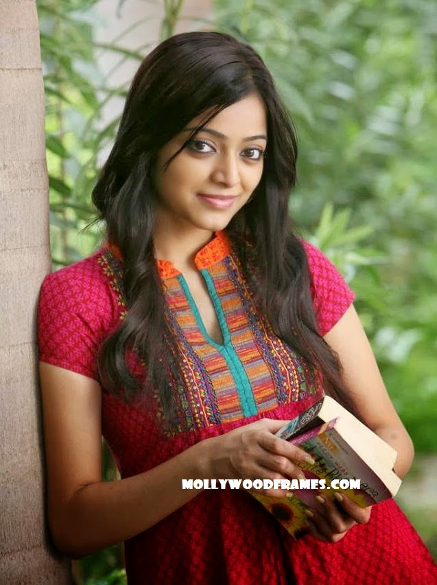 Janani Iyer is all excited to act with Nivin Pauly