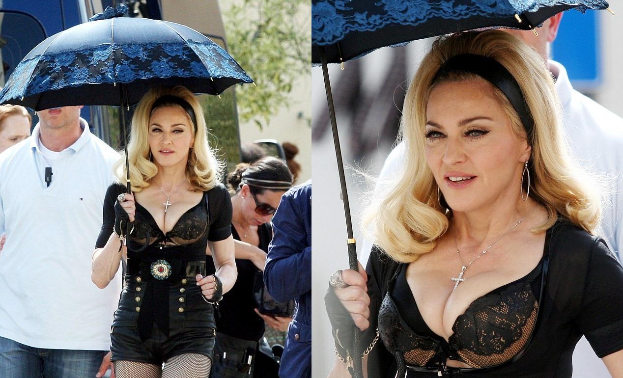 http://1.bp.blogspot.com/-XB3nrQniOFc/T-YbfuY1t9I/AAAAAAAAYzc/_CbeFUV6Oes/s1600/zackylicious-madonna-sexy-video-bts-pic.jpg