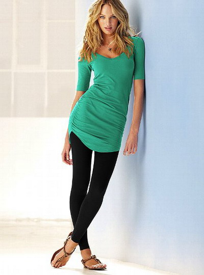 Selecting the Right Tops to Wear With Leggings to Perfect ...