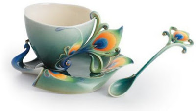 فناجين قهوة باشكال رائعة  Tea-cup-and-saucer-designs-1