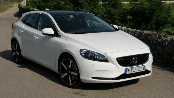 automobiles tout savoir sur les marques volvo v40. Black Bedroom Furniture Sets. Home Design Ideas