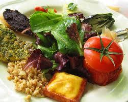 أطعمة ومشروبات تساعد على التخلص من البدانة