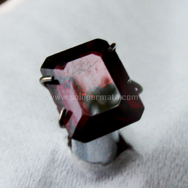 Batu Permata Red Garnet - SP964