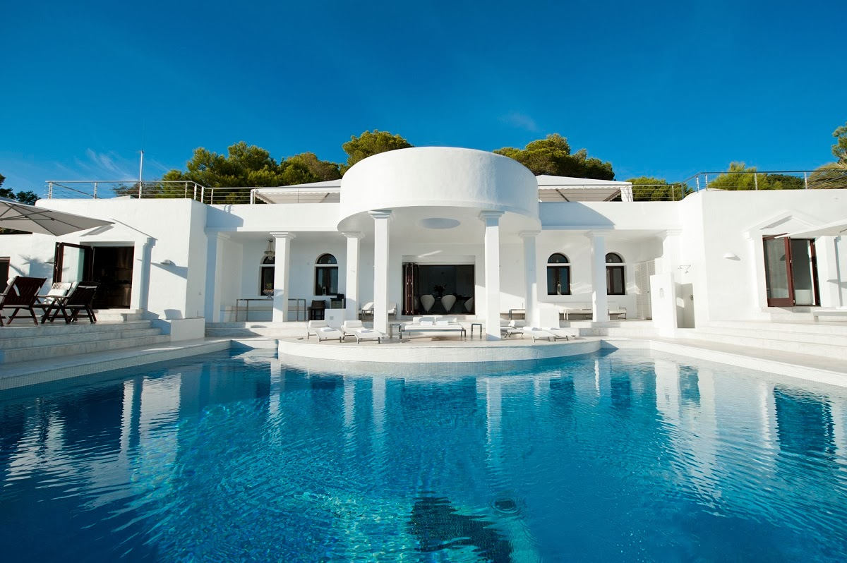 Luxury life design villa rica with underwater party room for Villas ibiza