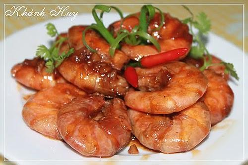 Tom kho (Vietnamese simmered prawn)